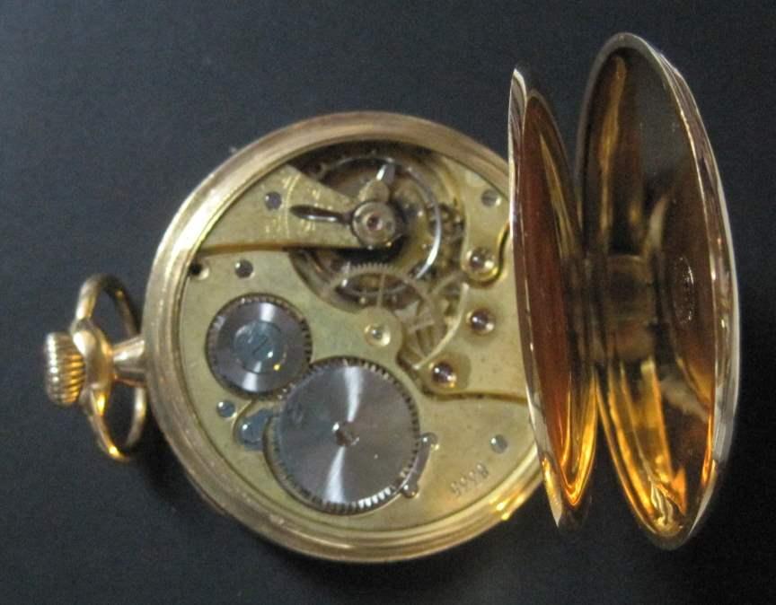 Lot 11 - Pocket watch 18ct gold case, brand ZENITH, around 1920, diameter: 4.3 cm - - Montre [...]