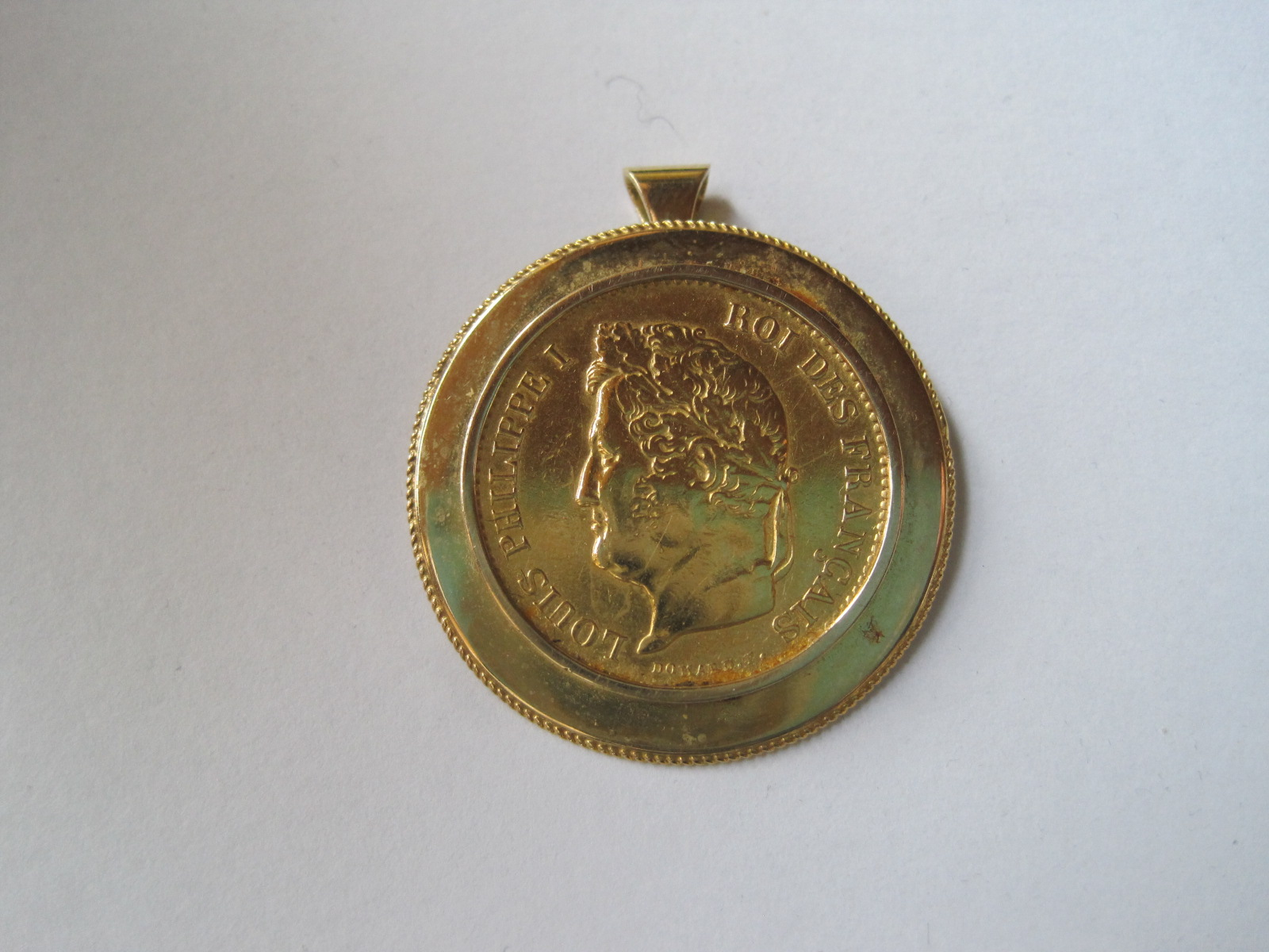 Lot 51 - Piece 40 Francs Gold Louis Philippe mounted pendant 18ct gold - 1834 - Net weight: 20 [...]
