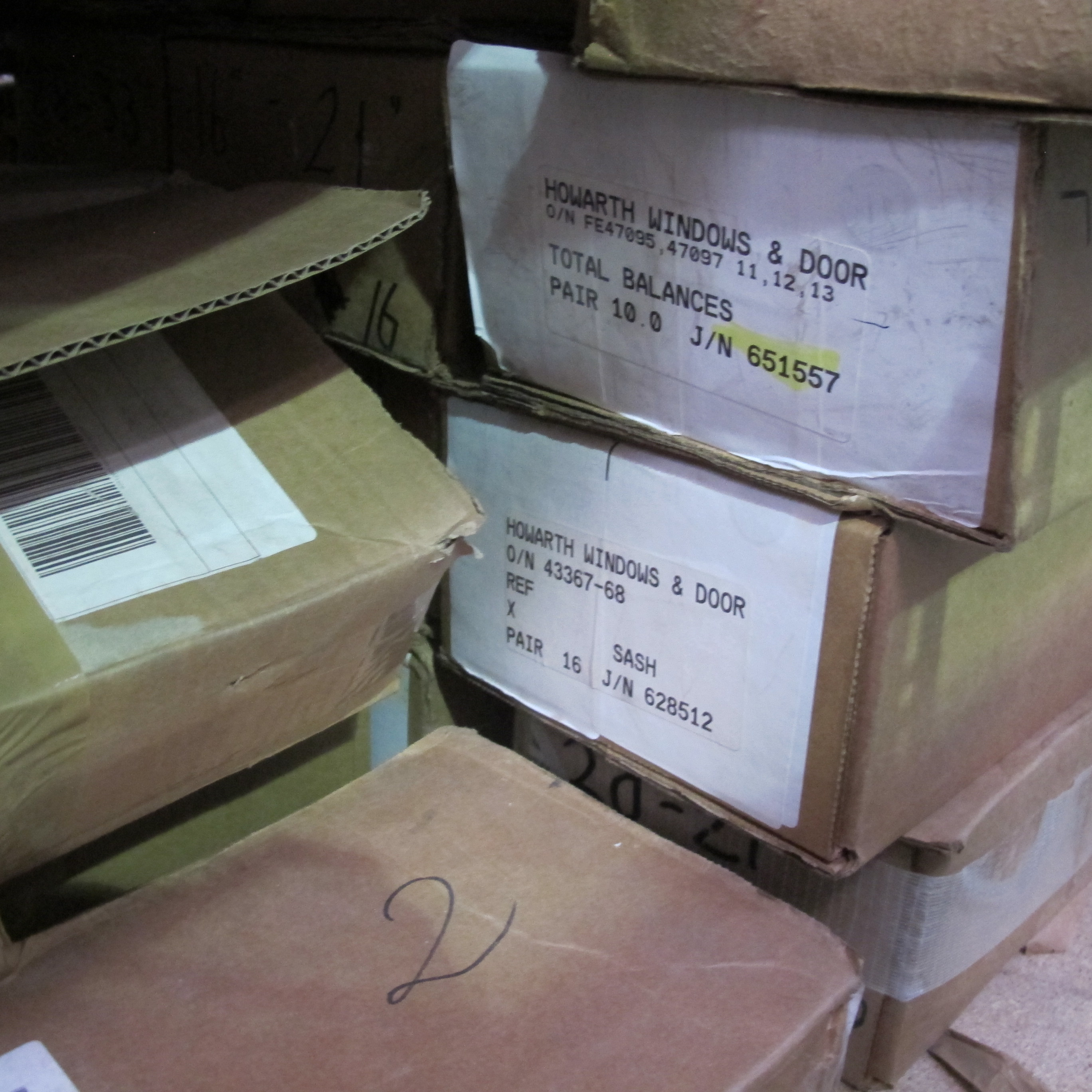 Pallet of balances to include approximately 359 x Ultralift balances ...