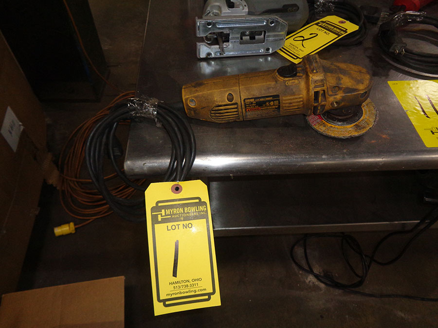 Lot 1 - DEWALT ELECTRIC 4 1/2'' ANGLE GRINDER