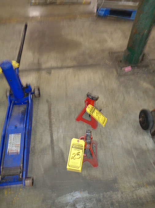 Lot 25 - BIG RED 2-TON JACK STANDS (X2)