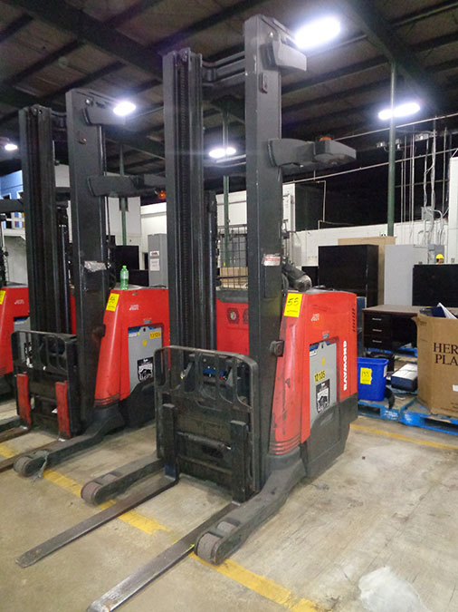 Lot 55 - 2013 RAYMOND 4,500 LB. REACH TRUCK; 36-VOLT, MODEL 750-R45TT, S/N 750-13-BC38355, RUNS & OPERATES