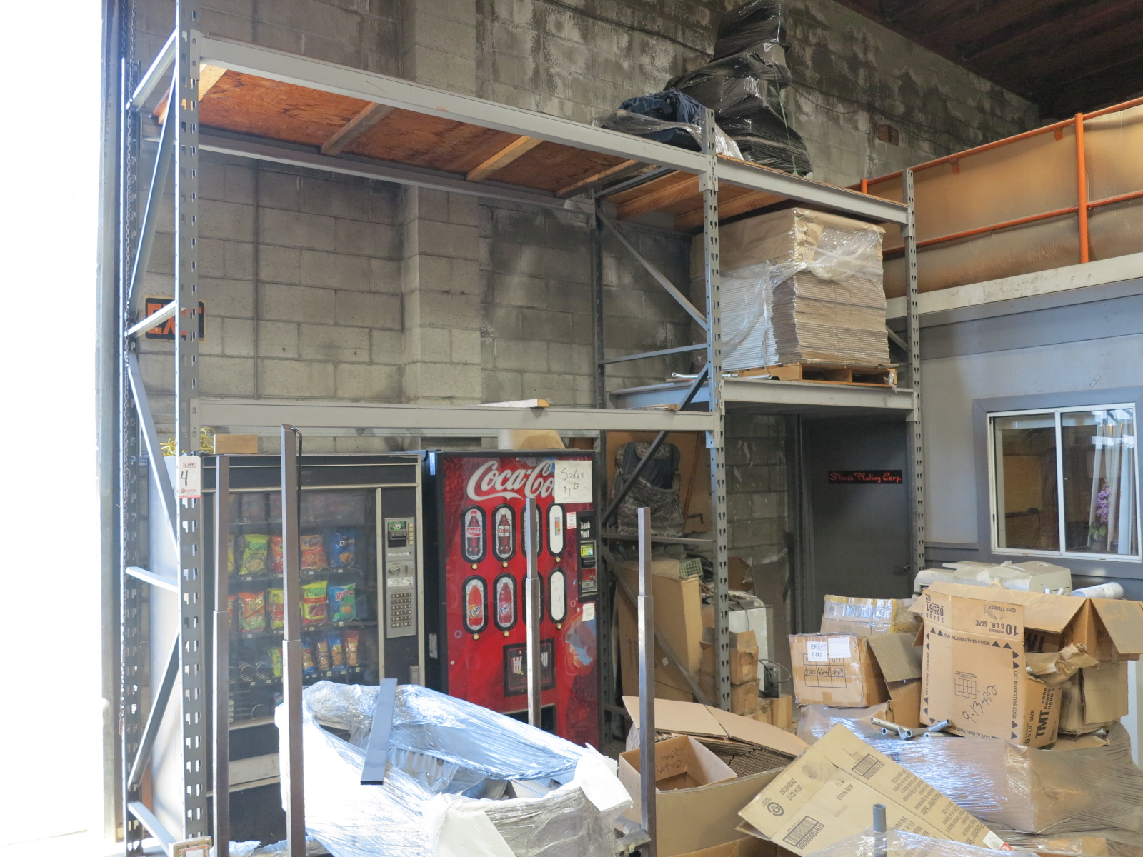 Lot 4 - LOT - (2) SECTIONS 10' PALLET RACKING
