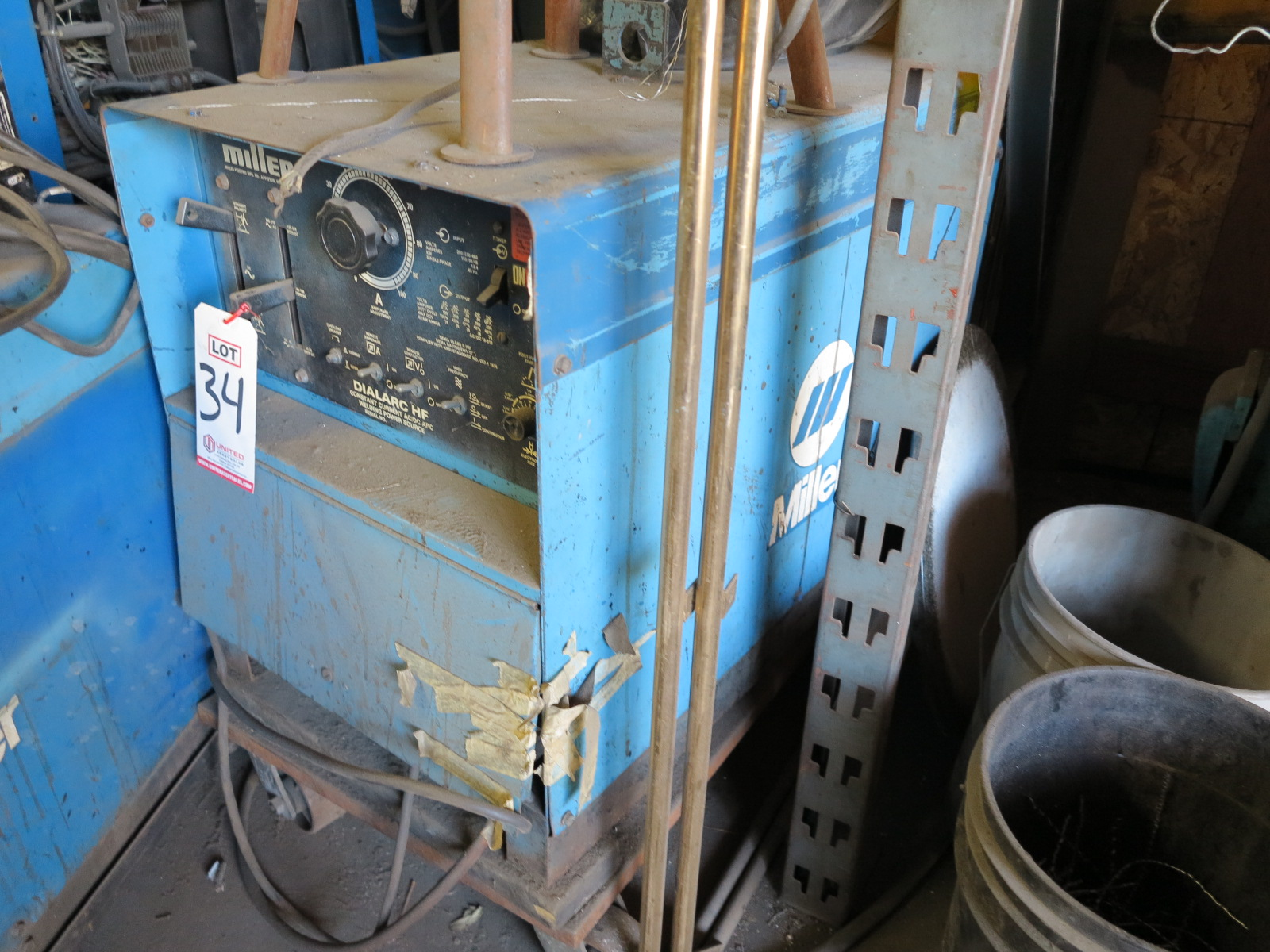 Lot 34 - MILLER DIALARC HF ARC WELDER