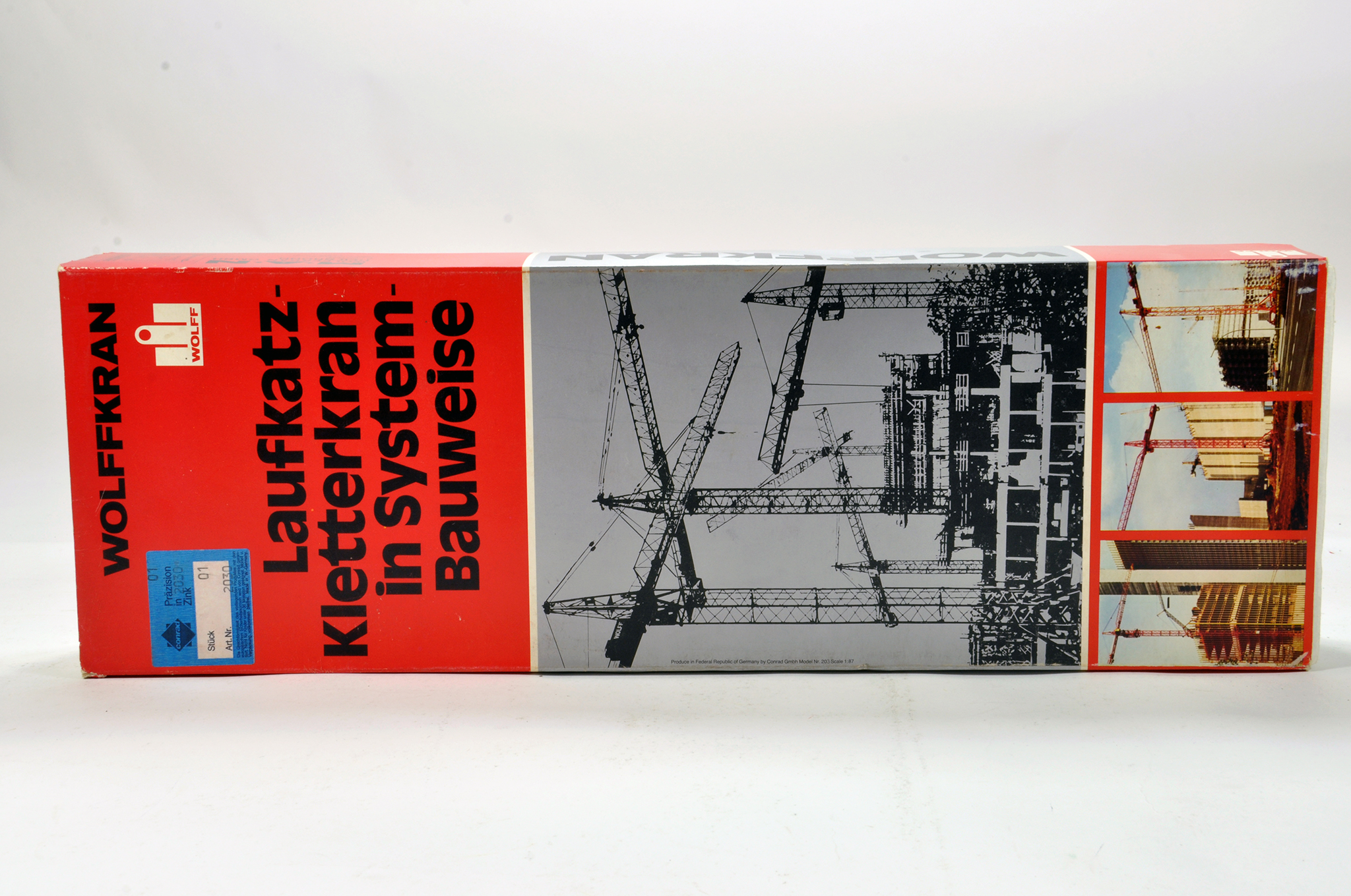 Lot 303 - Conrad 1/87 Construction issue comprising No. 2030 Wolffkran Tower Crane. Generally E to NM.