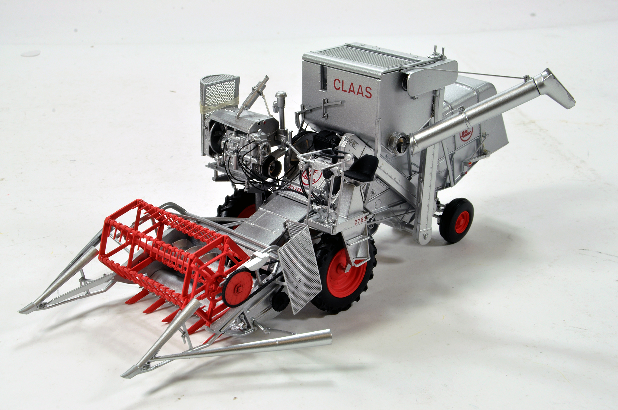 Lot 783 - Universal Hobbies 1/32 Farm Issue comprising Claas Europa Combine. Generally E to NM.