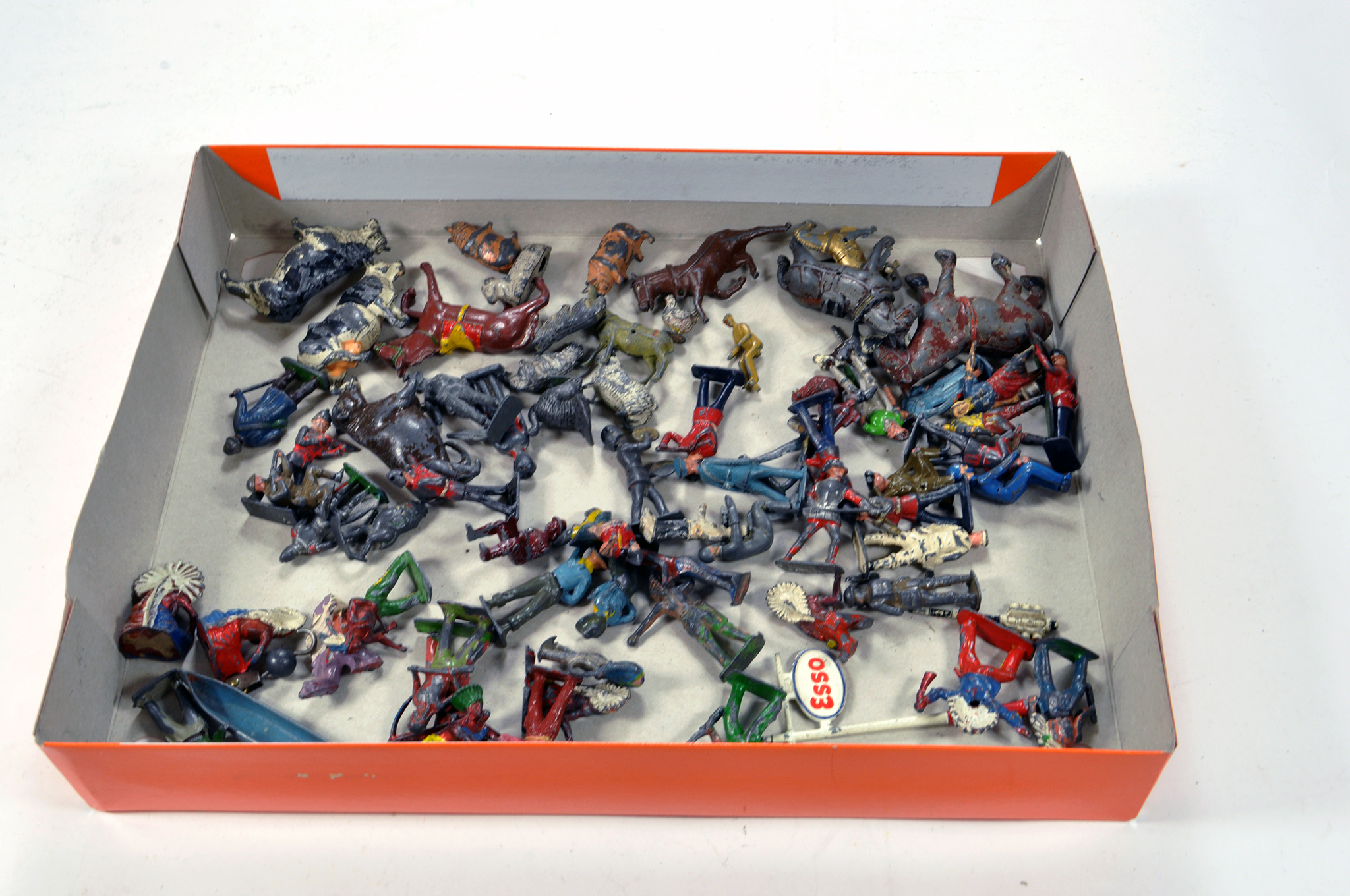 Lot 1084 - Assorted metal figure group. Various makers and issues. Generally F.