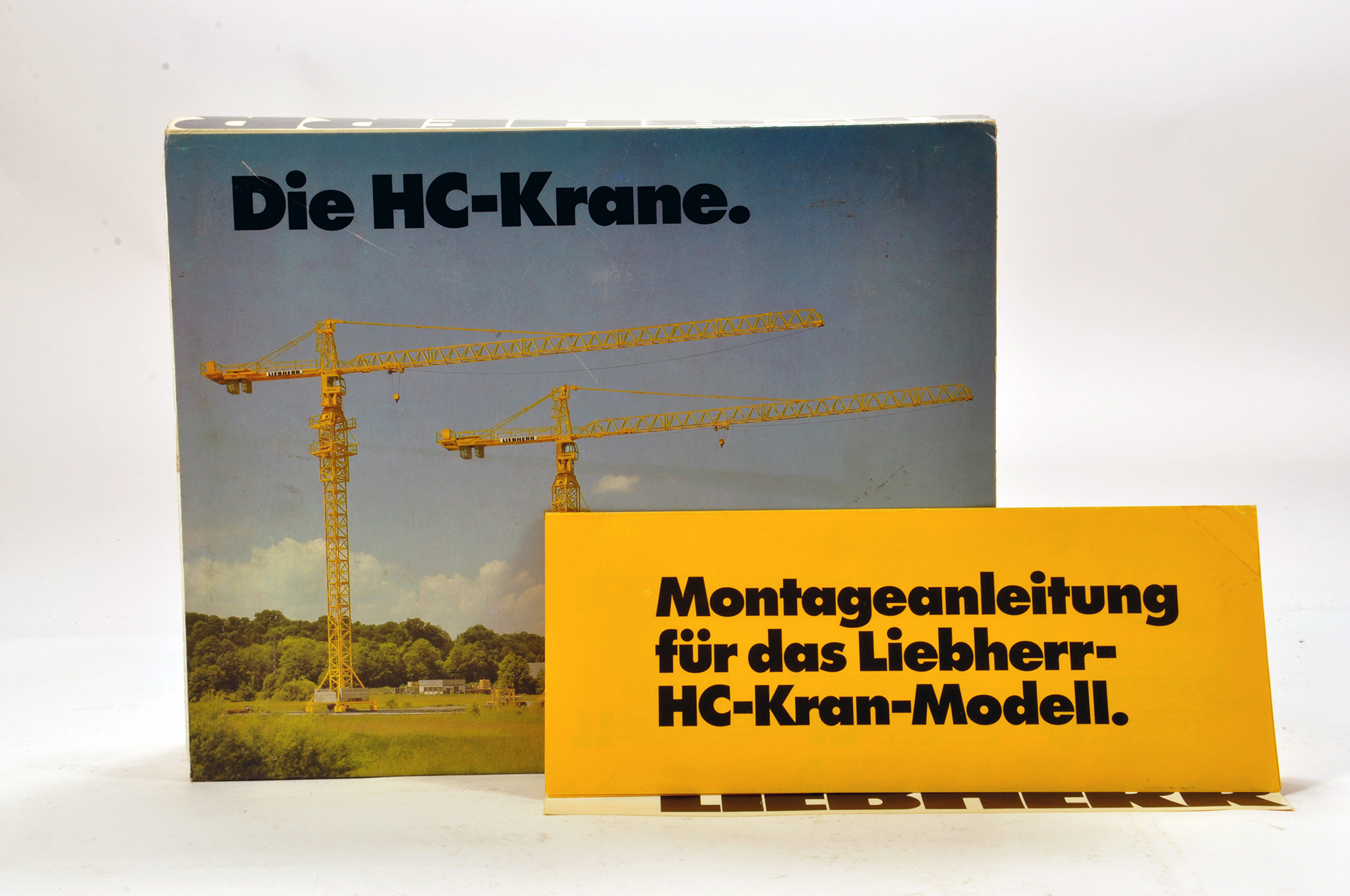 Lot 322 - Conrad 1/87 construction issue comprising Liebherr HC Tower Crane. E to NM.