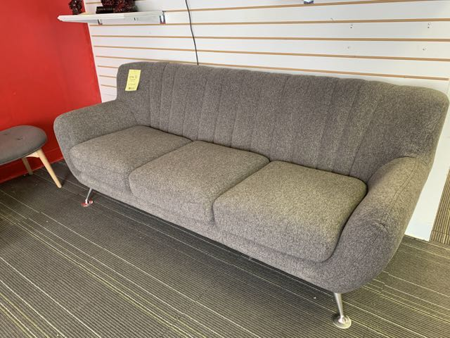 "Sofa ""chic"" 6' - Image 2 of 2"