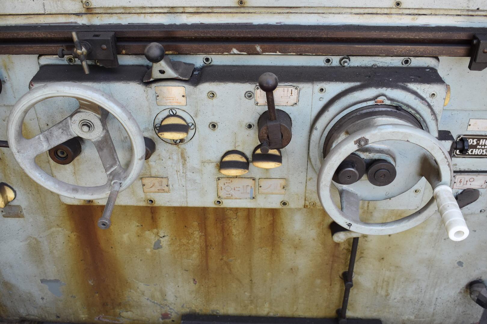 Lot 91 - Tos-Hostivar 18 in. Type 2UD-500 Universal Cylindrical Grinder, S/N 17623, Drop Down Internal