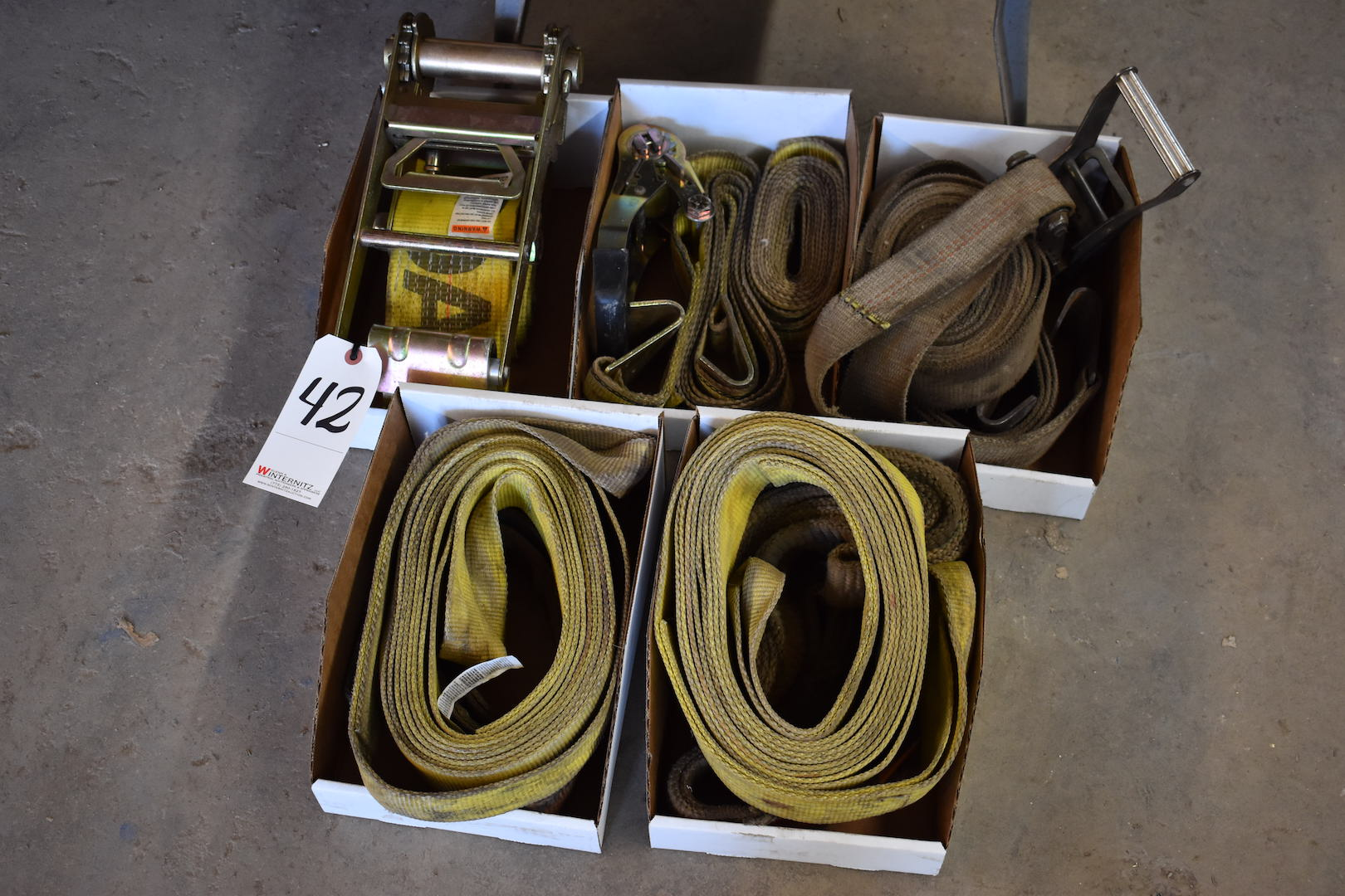 Lot 42 - LOT: Assorted Rigging Straps