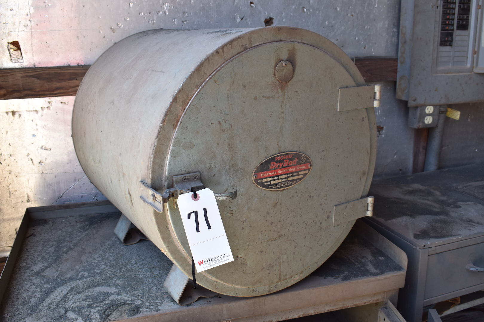 Lot 71 - LOT: Phoenix Dry Rod Type 300 Model 12 Electrode Stabilizing Oven, 100° - 550°F, with (2) Cabinets &