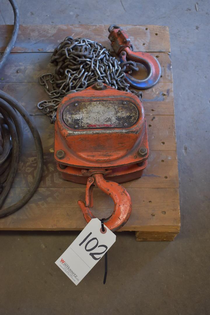 Lot 102 - Chain Hoist