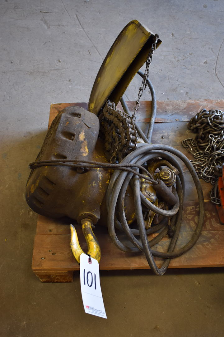 Lot 101 - Budgit 1 Ton Electric Hoist