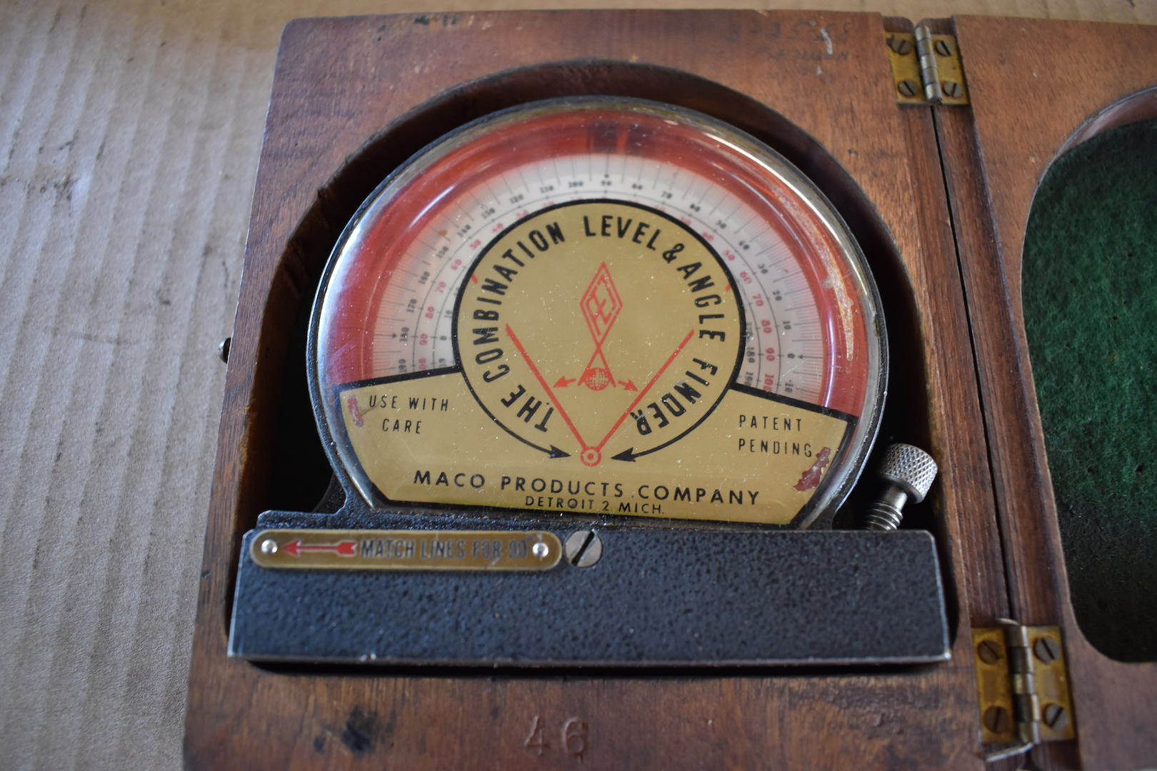 Lot 49 - Maco Combination Level & Angle Finder