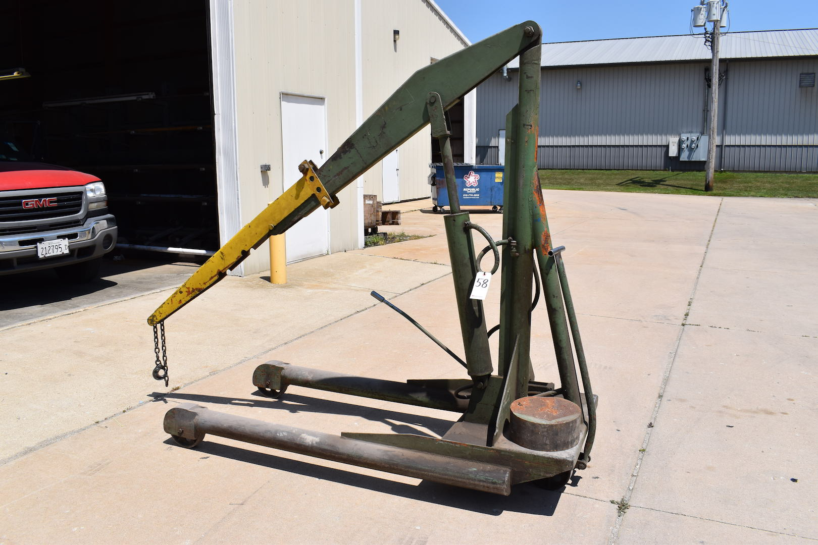 Lot 58 - Ruger Model HP-2 Hydraulic Engine Hoist, S/N C-8962, 84 in. Max. Arm Length