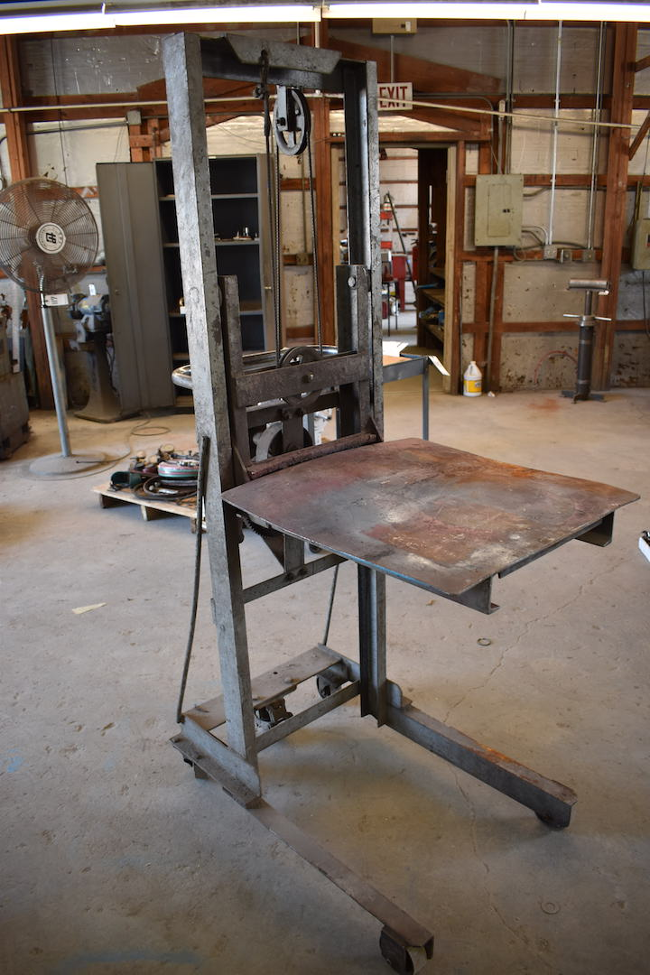 Lot 57 - Cable Type Portable Die Lift, with 24 in. x 24 in. Platform