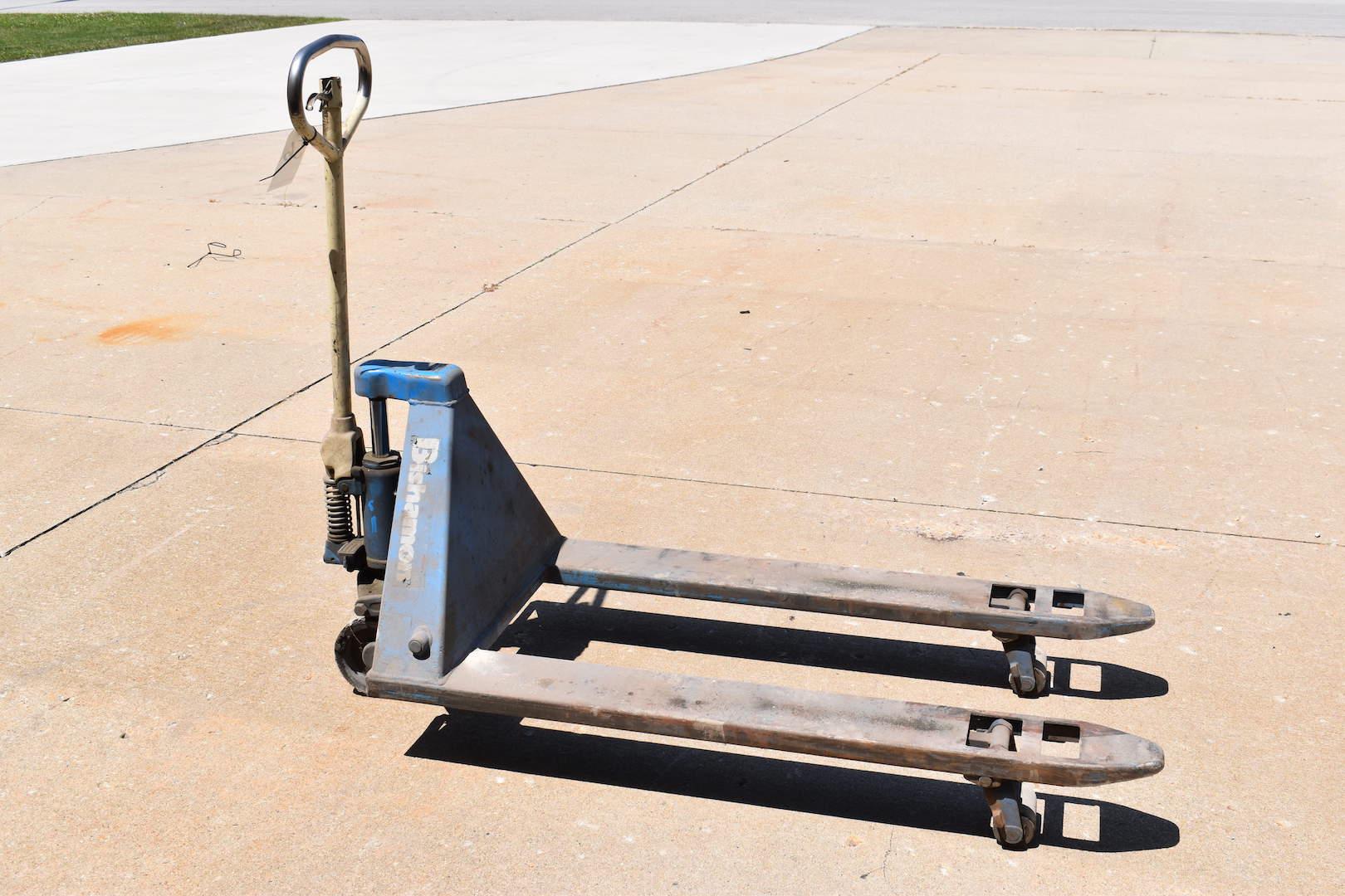 Lot 56 - Bishamon 5500 lb. Hydraulic Pallet Jack