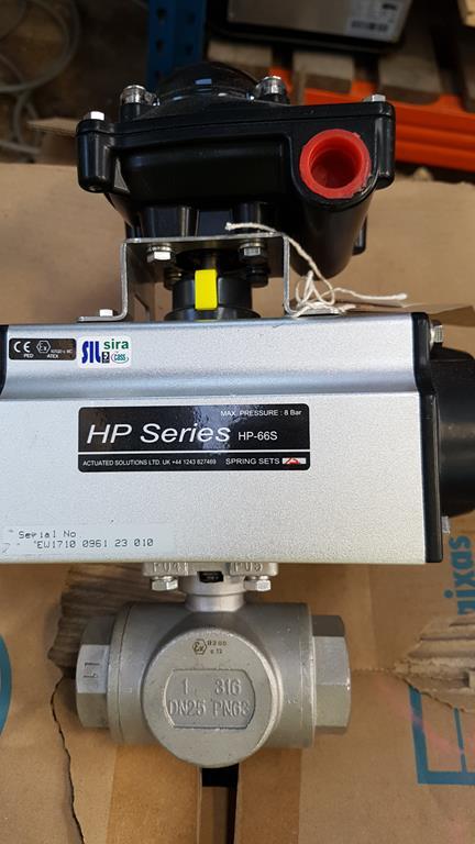 Lot 36 - HP Series HP-66S 3 Way Valve