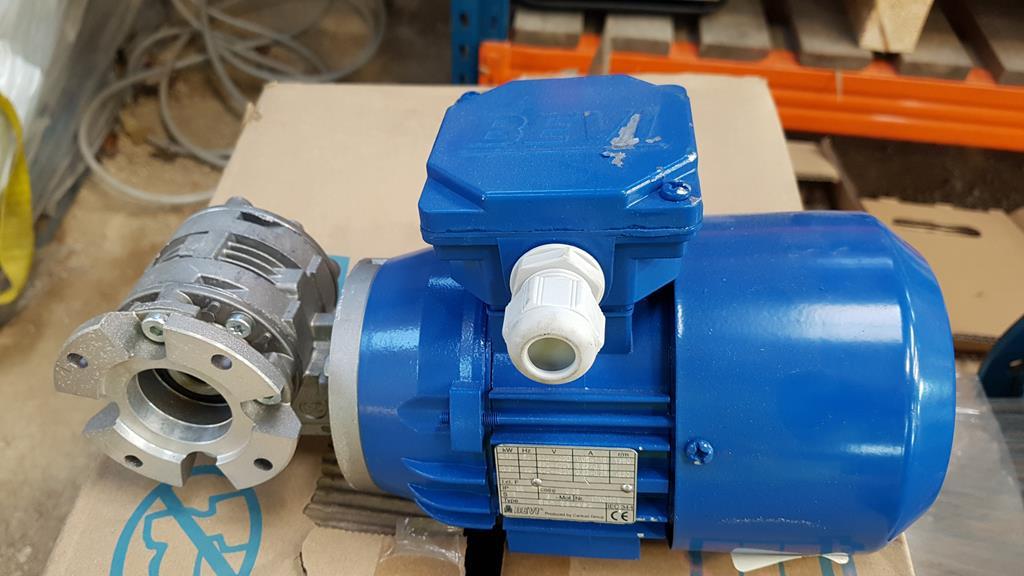 Lot 38 - 7 x Bevi 0.18kW c 1380 rpm Electric Motors