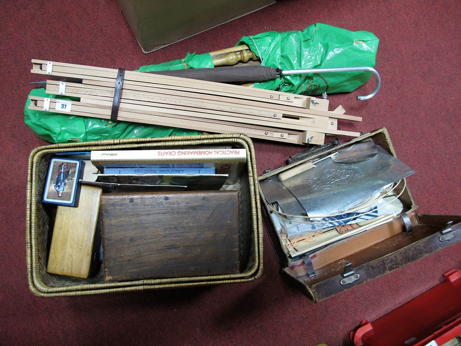 Lot 37 - A Quantity of Crafts and Artists Equipment, to include bronze powder, crepe paper, easels.