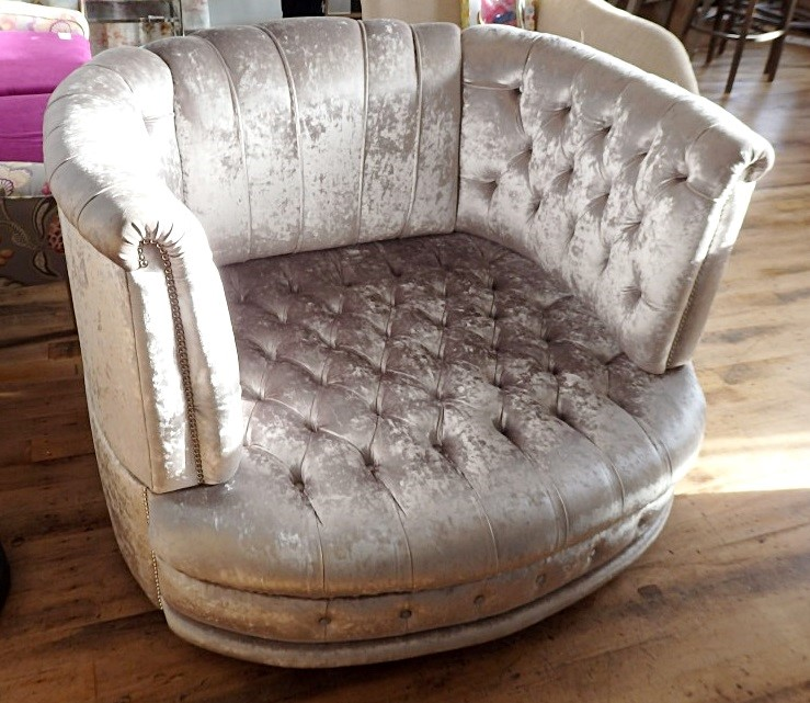 1 X Beautiful Bespoke Oversized Horseshoe Armchair Sofa