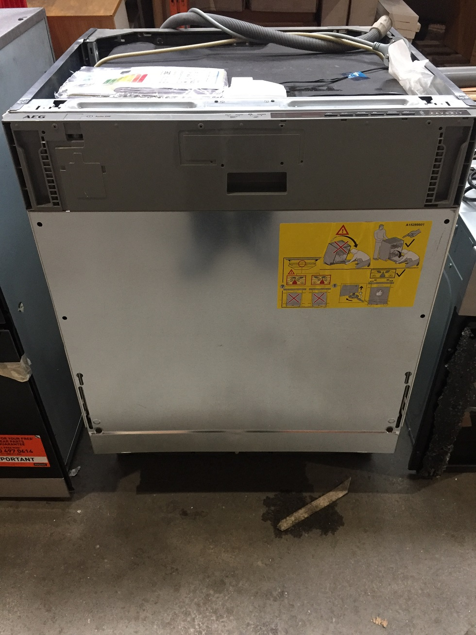 Lot 1 - 1 UNPACKAGED GRADE B UNTESTED AEG FAVORIT INTEGRATED DISHWASHER IN SILVER / RRP £347.00 (VIEWING