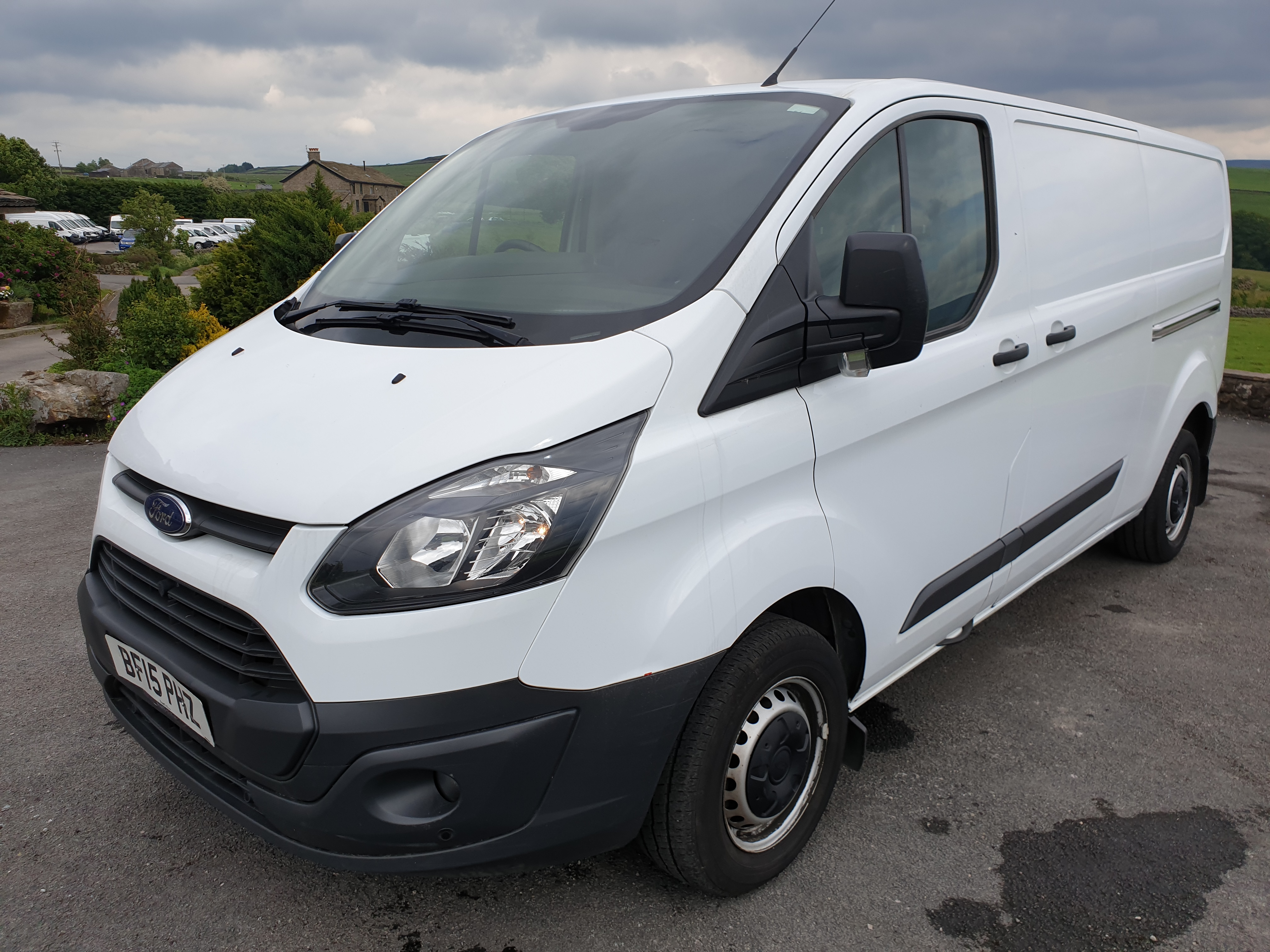 Lot 12 - 2015 / 15 Ford Transit L2H1