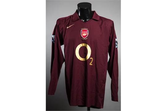 5530fd43e17 Thierry Henry  a redcurrant Arsenal No.14 jersey season 2005-06 ...
