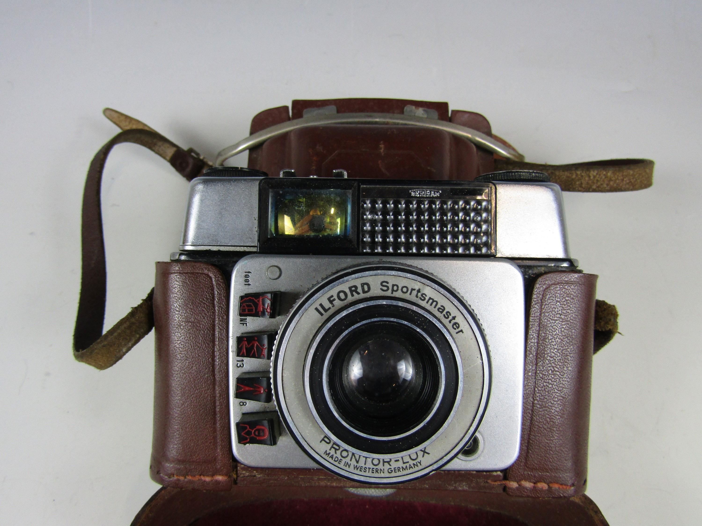 Lot 41 - A 1960s Ilford Sportmaster camera