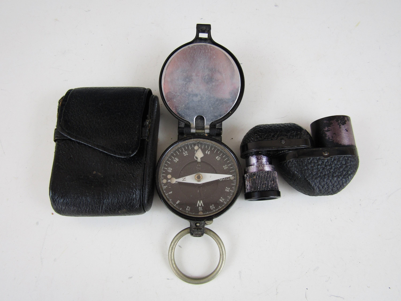Lot 31 - A 1940s German compass and a Zeiss Turmon 8x21 prismatic monocular