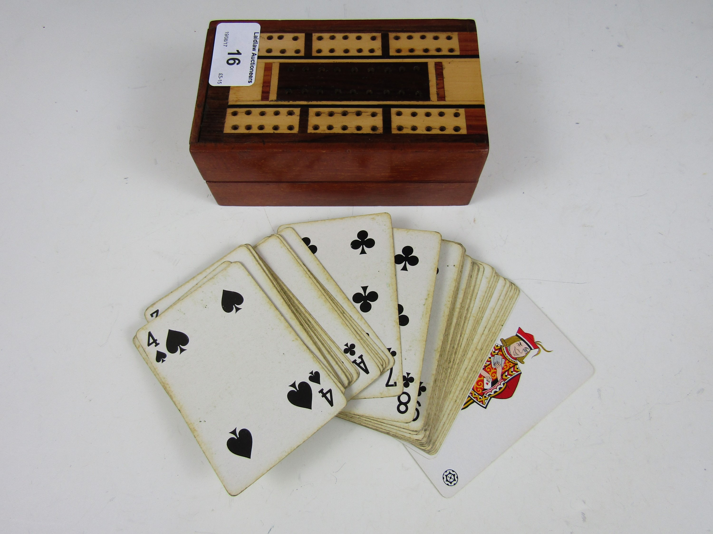 Lot 16 - A vintage cribbage set
