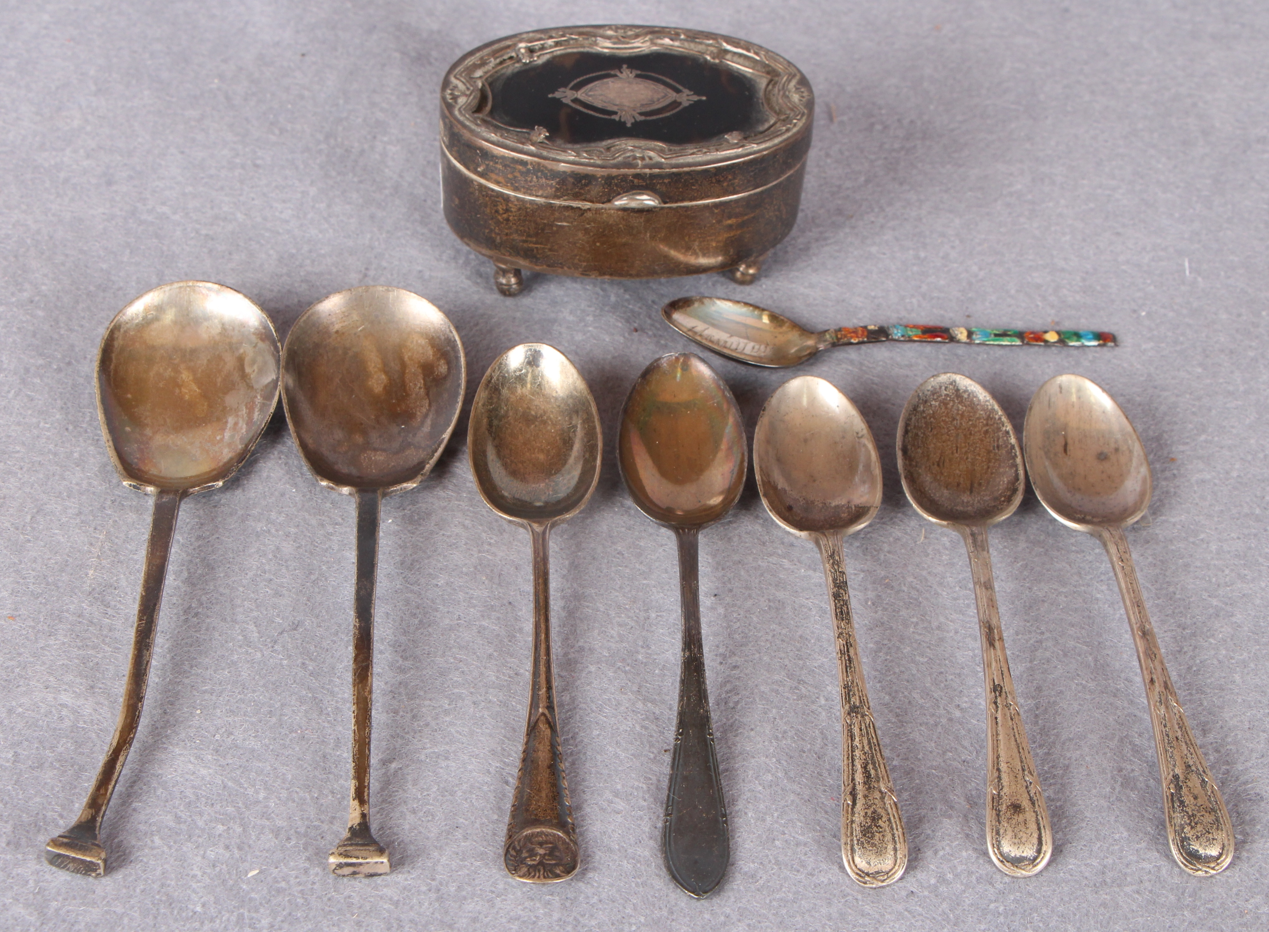 Lot 27 - 8 assorted spoons and a silver trinket box with tortoiseshell inlay to top