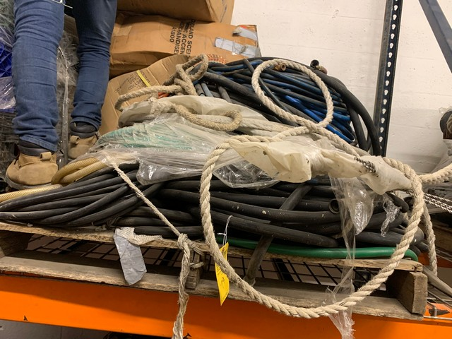 PALLET ASSORTED SWING STAGE ELECTRICAL CABLE, HOSES, ETC