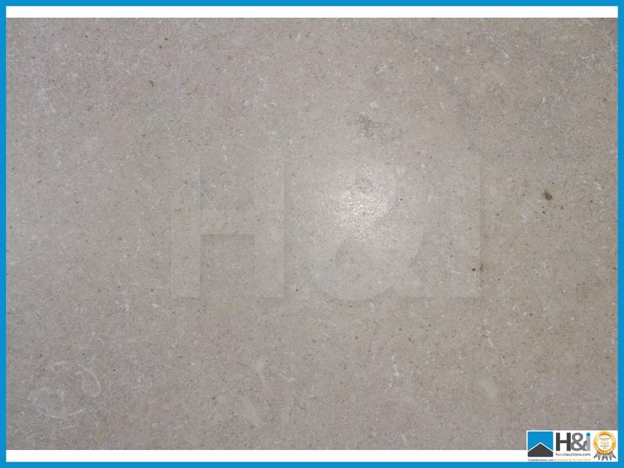 ... Chateau Grey Chapel random pattern x 10mm tumbled. Material: Limesto