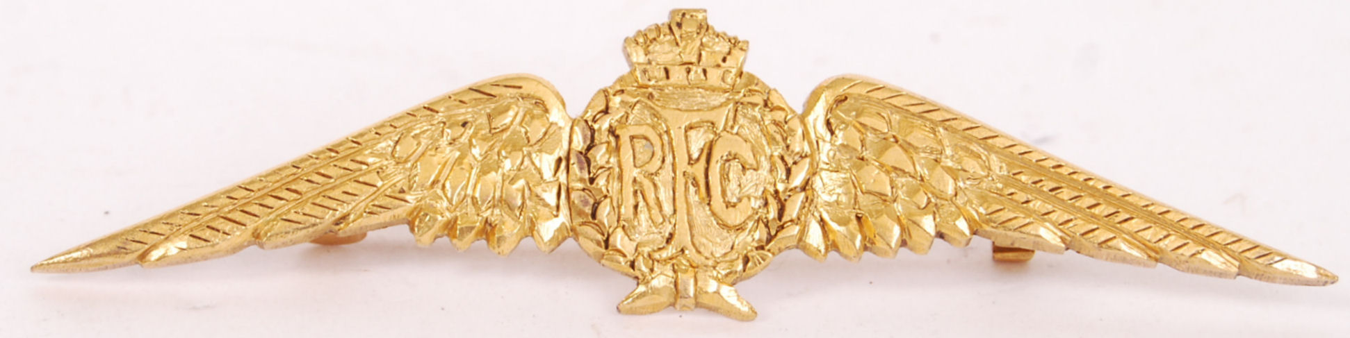 Lot 306 - WWI ROYAL FLYING CORP BADGE