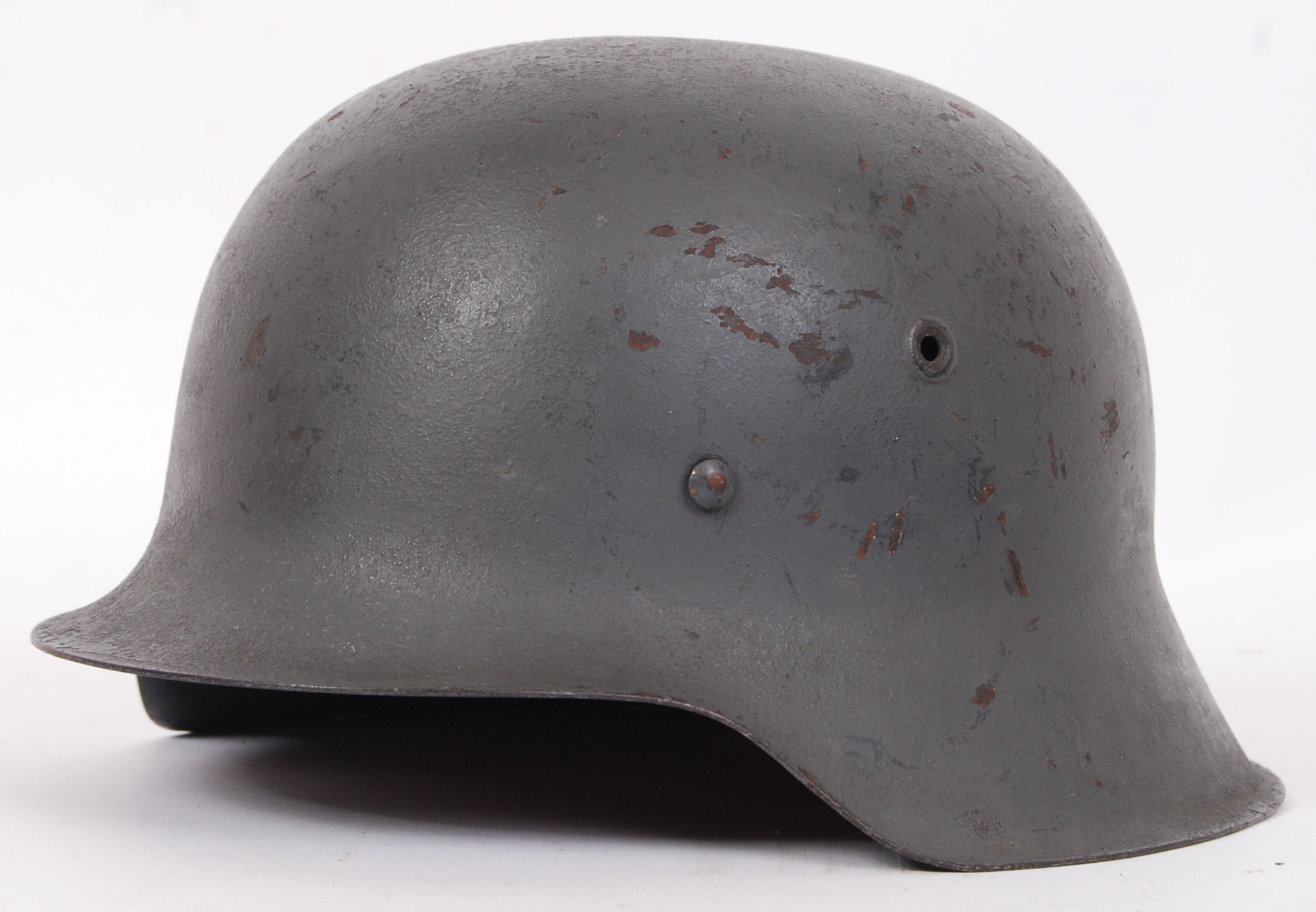 Lot 280 - GERMAN M42 HELMET