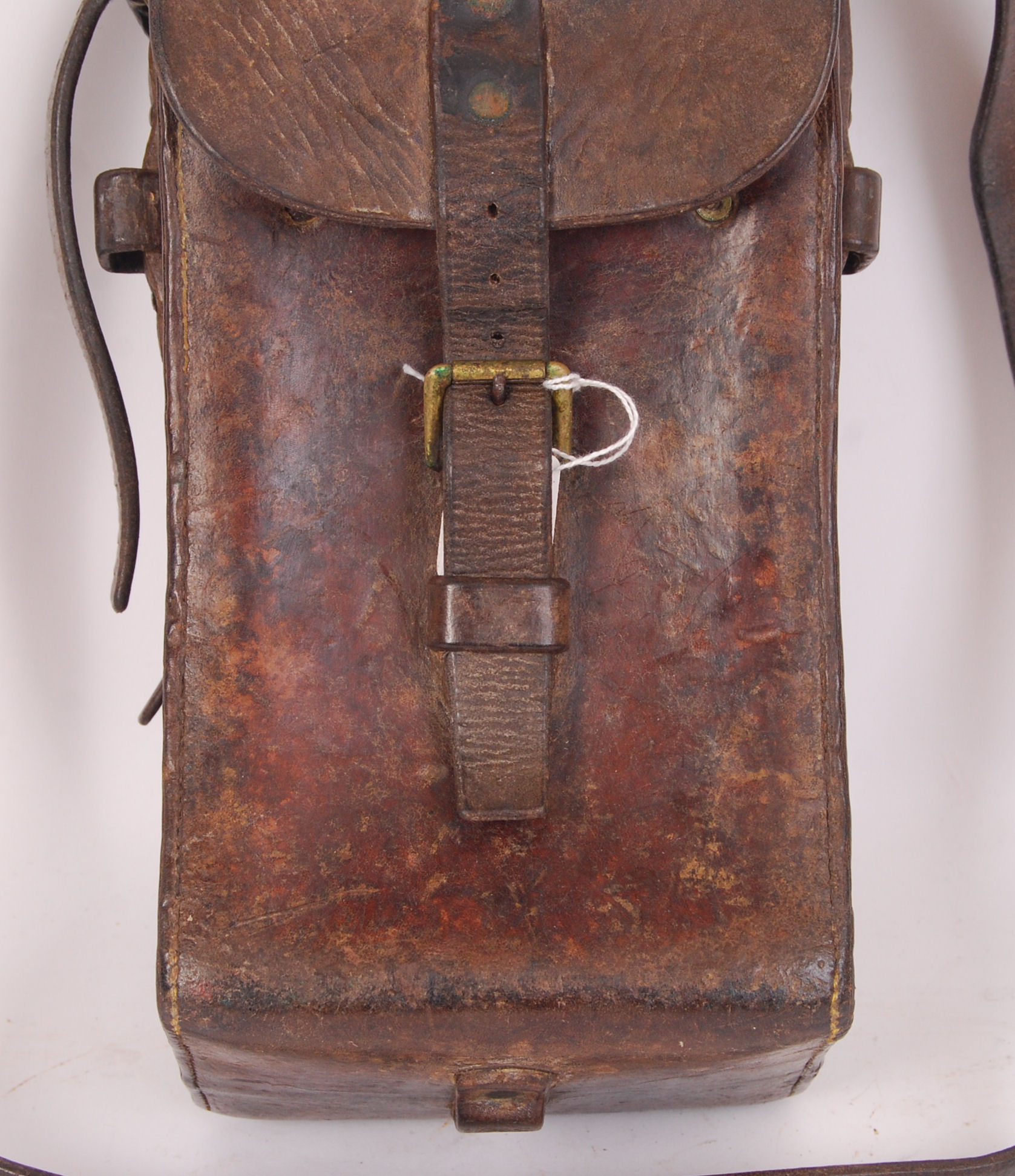 Lot 215 - WWI LEATHER POUCH