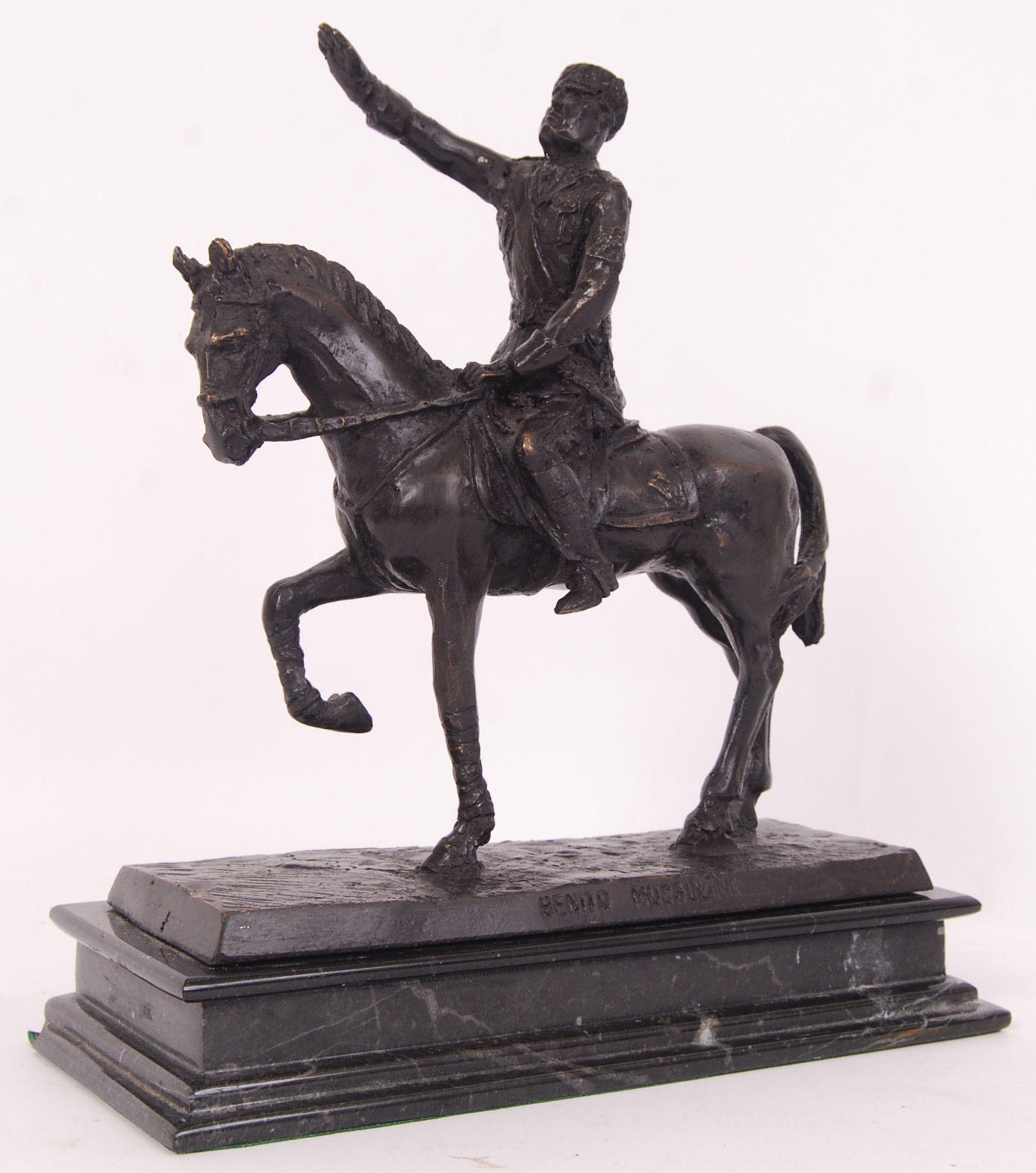 Lot 11 - MUSSOLINI BRONZE STATUE