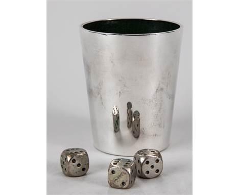 Silber-Würfelbecher mit 3 Metallwürfeln, Gayer & Krauss, Schwäbisch-Gmünd, Mitte 20. Jh. 925/-Silber mit innerer Lederauskl