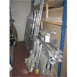 Assorted part complete tower scaffolding including 3 x platforms, 4 x uprights sections, 8 x wheels,