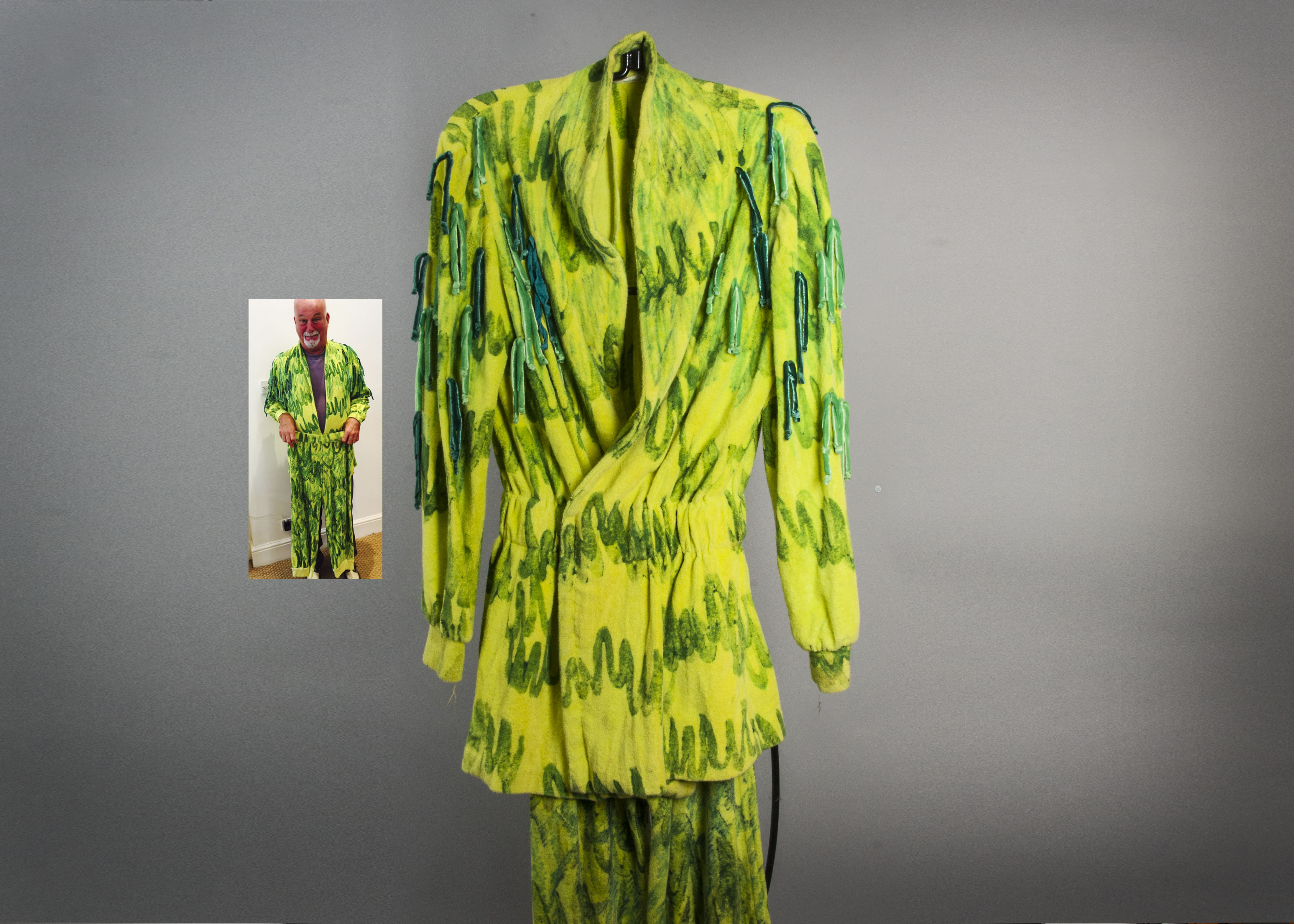 Lot 688 - Jethro Tull / Dave Pegg, Dave Pegg's first stage costume after joining Jethro Tull. A towelling suit