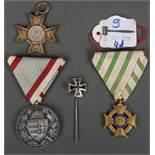 Viertlgs. Ordenskonvolut I. WK: Sachsen-Kreuz für Krankenpflege, Badisches Kriegshilfskreuz;