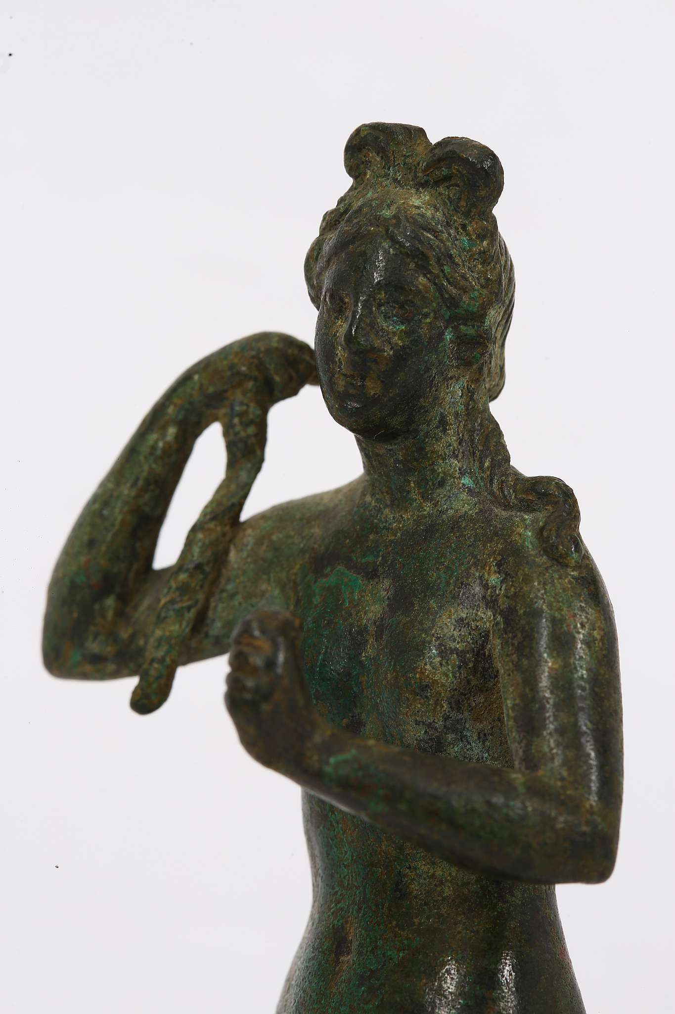 "Lot 113 - A ROMAN BRONZE APHRODITE Circa 1st - 2nd century A.D. ""..there is nothing among the blessed gods"