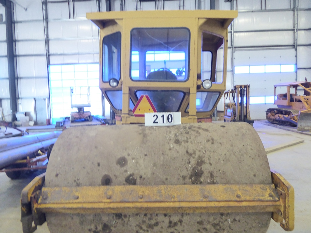 Lot 210 - INGERSOLL RAND SP54 SMOOTH DRUM VIBRATORY PACKER S/N 60811