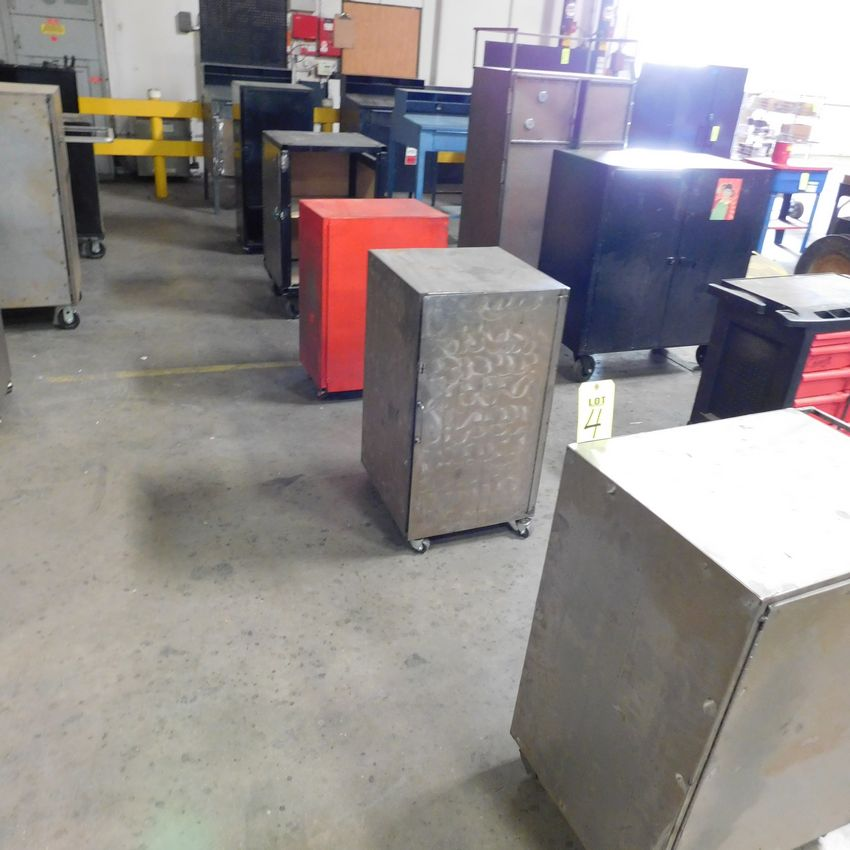 Lot 4 - LOT - (5) STEEL TOOL CABINETS ON CASTERS & (1) STEEL WORK STATION DESK