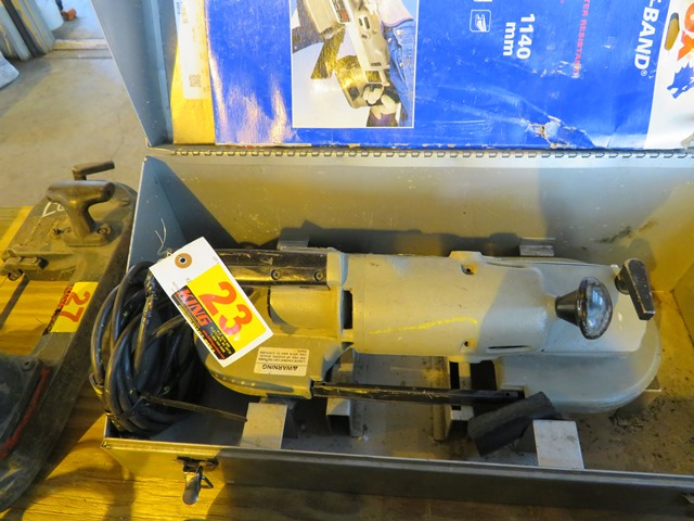 Lot 23 - Porter Cable Portable Band Saw