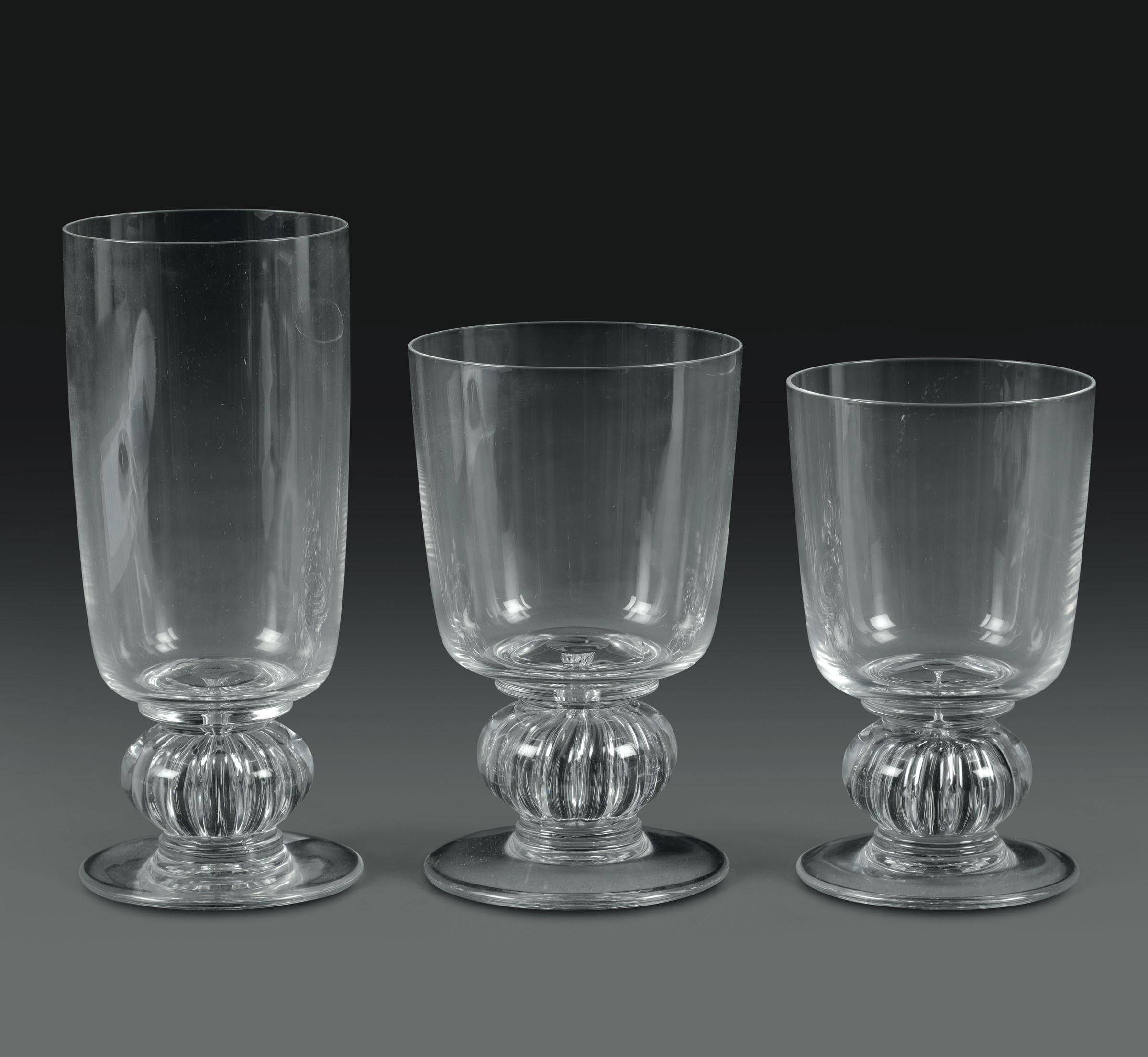 """Lot 60 - Servizio di bicchieri """"Majorque"""" Francia, Manifattura Lalique, 1970-1998, - - [...]"""