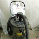 DAYTON WET/DRY VACUUM, MODEL 2Z973E