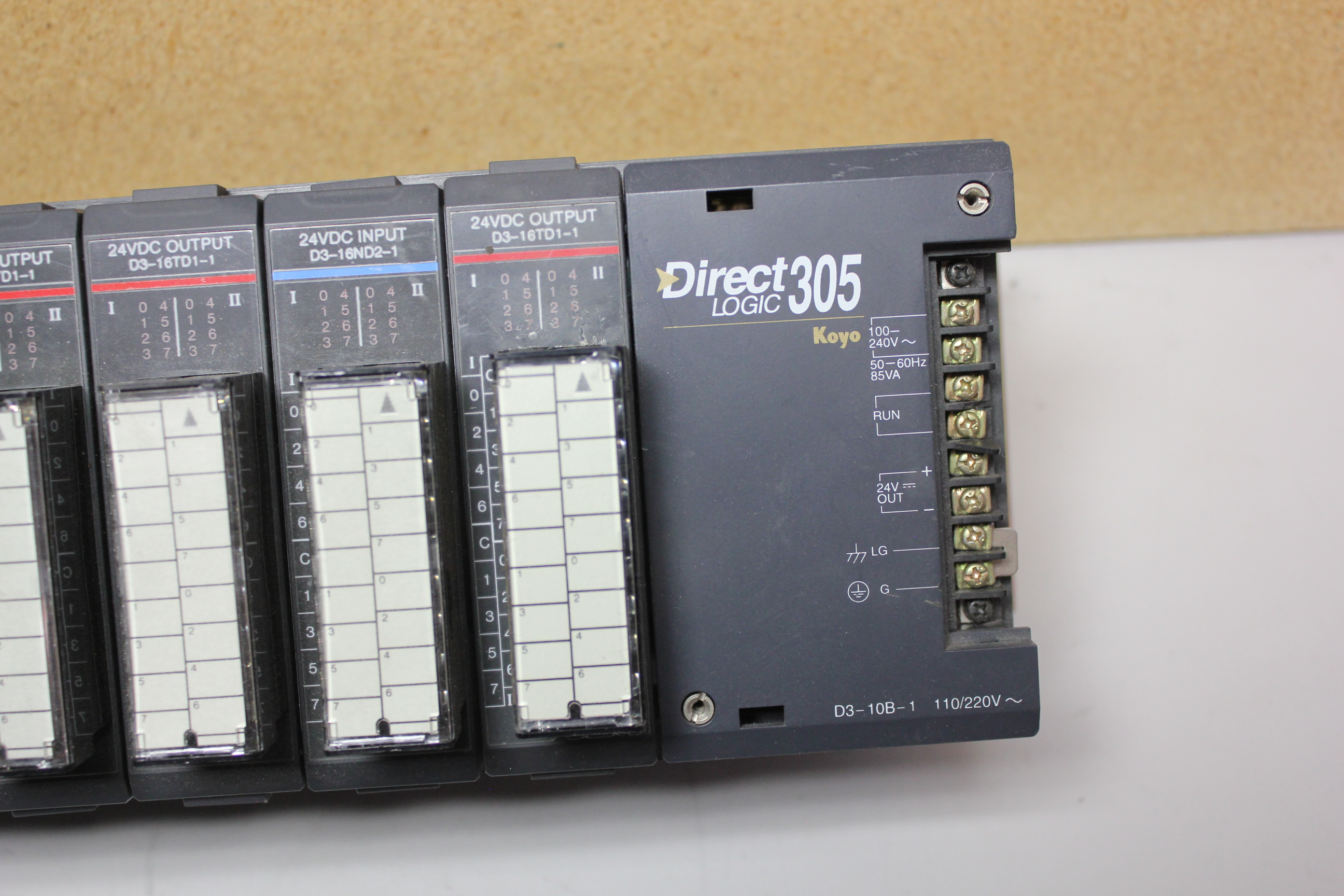 KOYO DIRECT LOGIC 305 PLC CHASSIS WITH 10 MODULES - Image 2 of 8